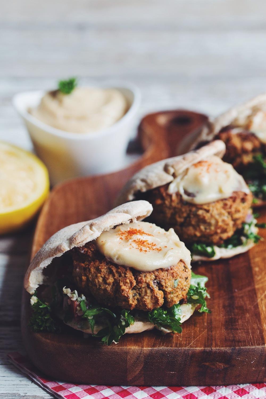 baked falafel sliders with hemp tabbouleh & maple tahini sauce_hot for food
