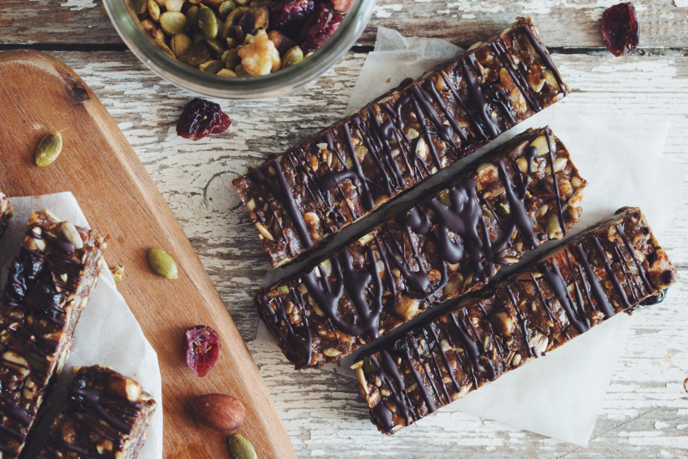 no-bake fruit & nut granola bars #vegan #glutenfree | RECIPE on hotforfoodblog.com