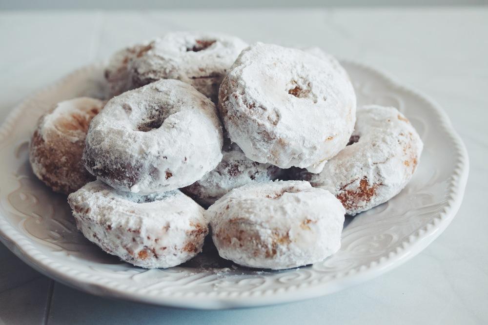 mini powdered sugar doughnuts #vegan #glutenfree | RECIPE on hotforfoodblog.com