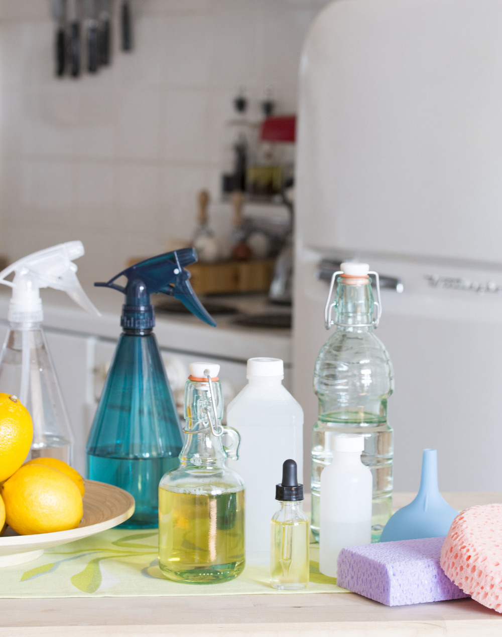 lemon scented multi-purpose cleaners #naturalproducts #householdcleaners #DIY | RECIPE on hotforfoodblog.com