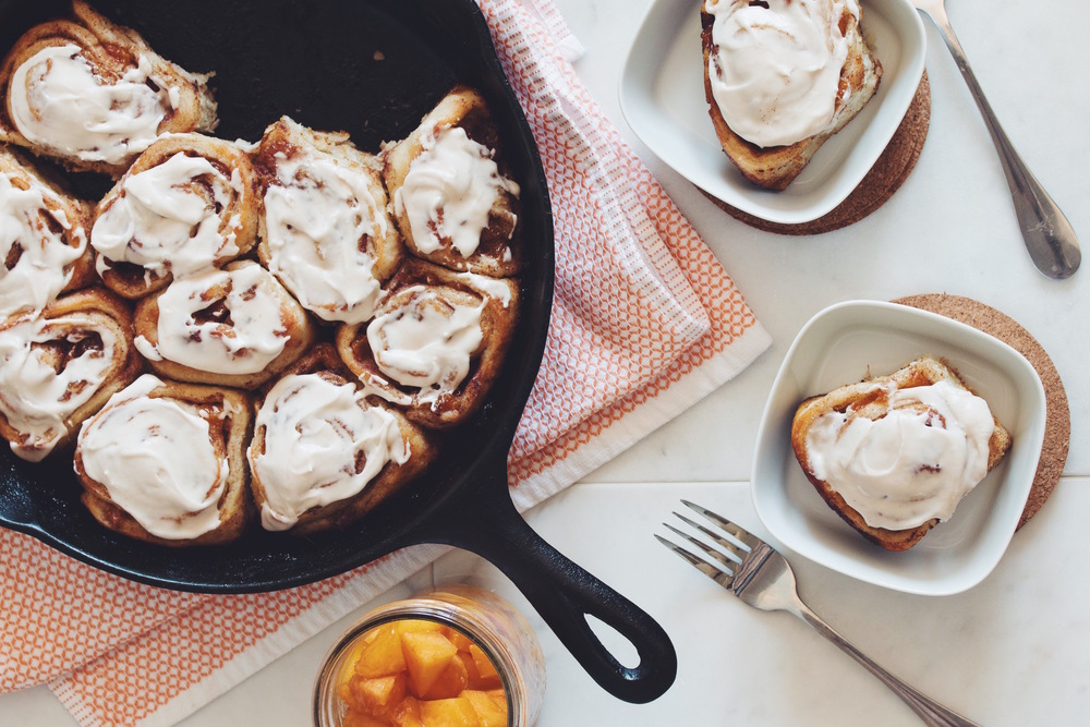 vegan cinnamon rolls with spiced whiskey peaches_hot for food