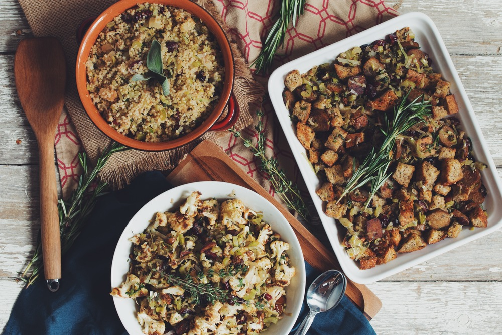 traditional bread and sausage stuffing_hot for food