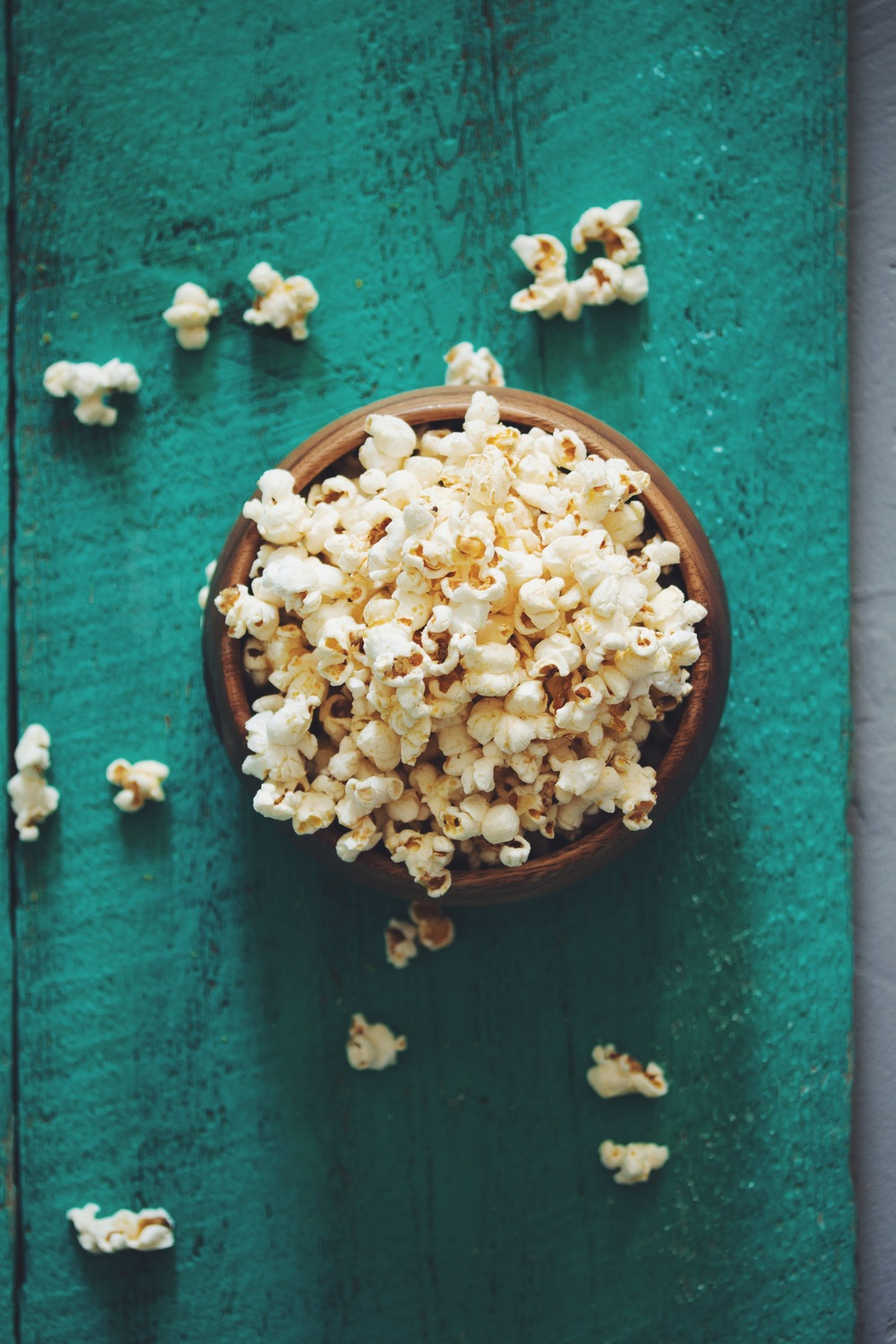 the best vegan popcorn | RECIPE on hotforfoodblog.com