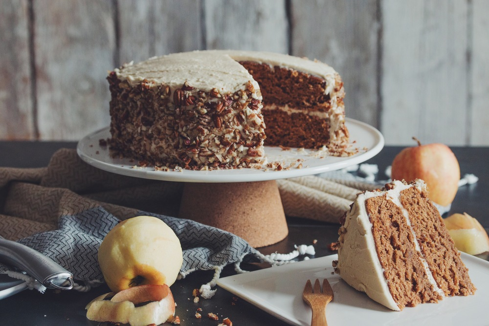 vegan apple spice cake with maple buttercream frosting | RECIPE by hot for food