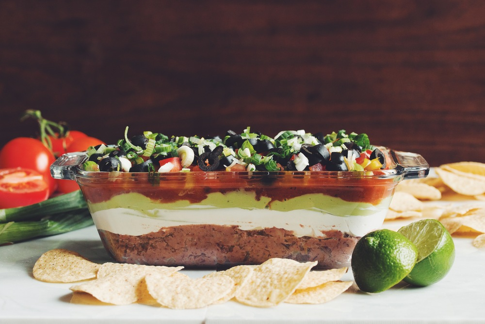 the best vegan 7 layer dip | RECIPE by hot for food