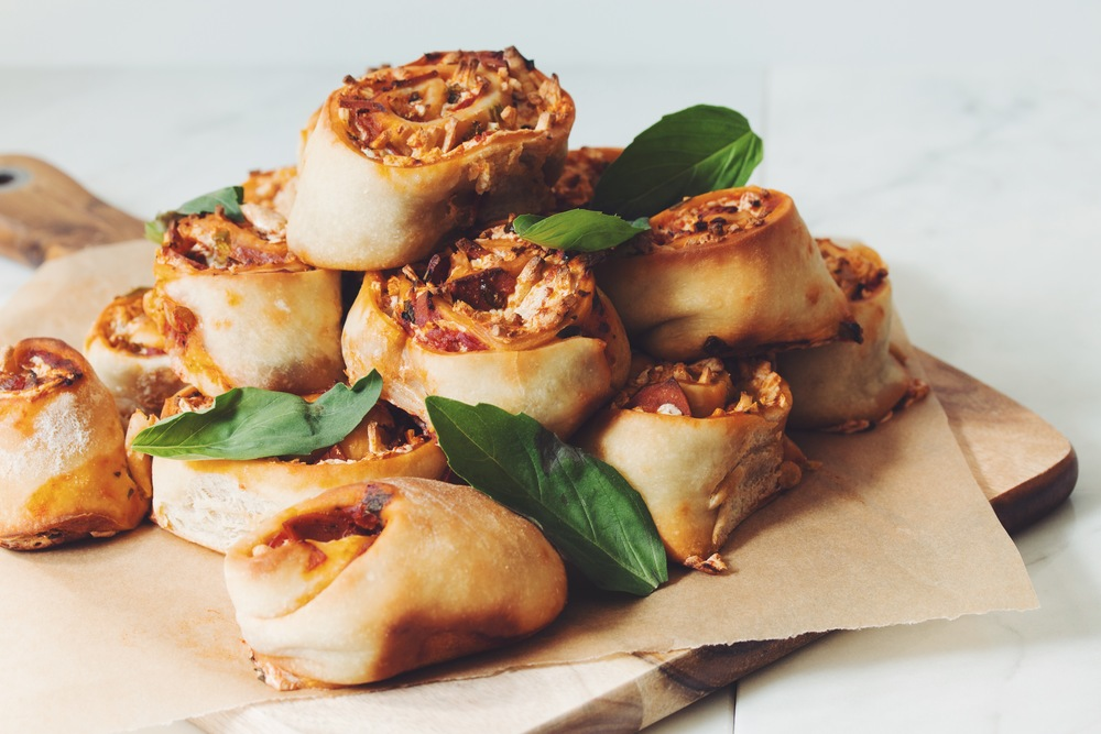vegan pizza buns | RECIPE in hotforfoodblog.com