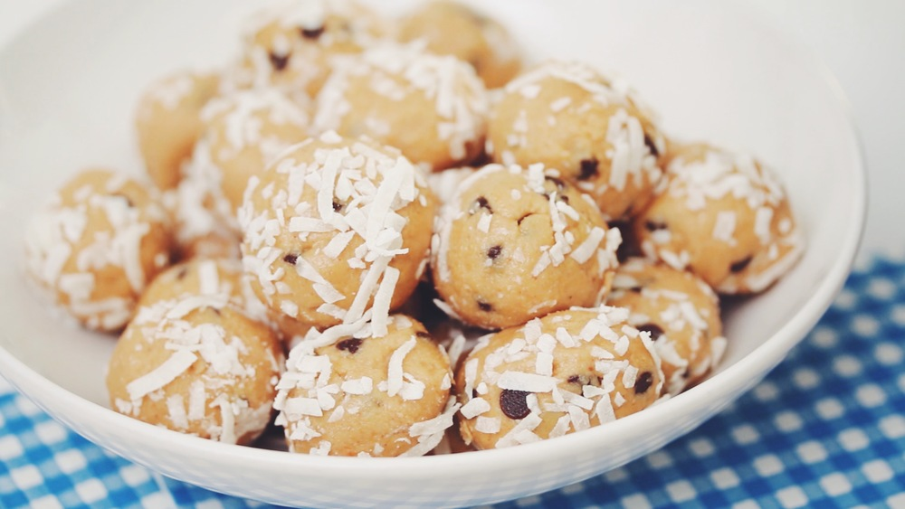 vegan cookie dough balls | RECIPE on hotforfoodblog.com