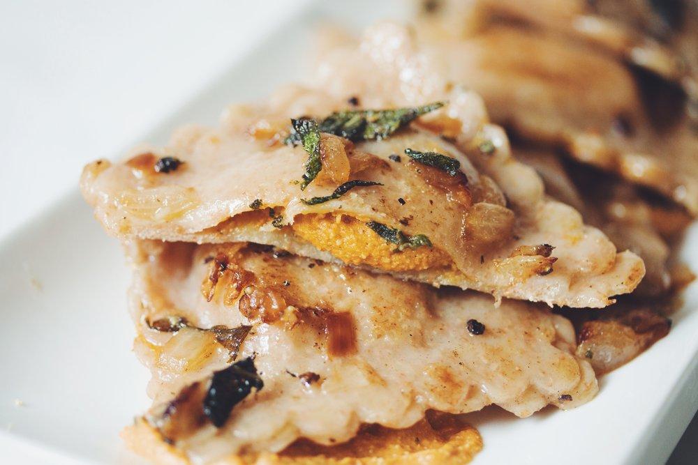 vegan pumpkin ravioli (pumpkin cheese filling) | RECIPE on hotforfoodblog.com