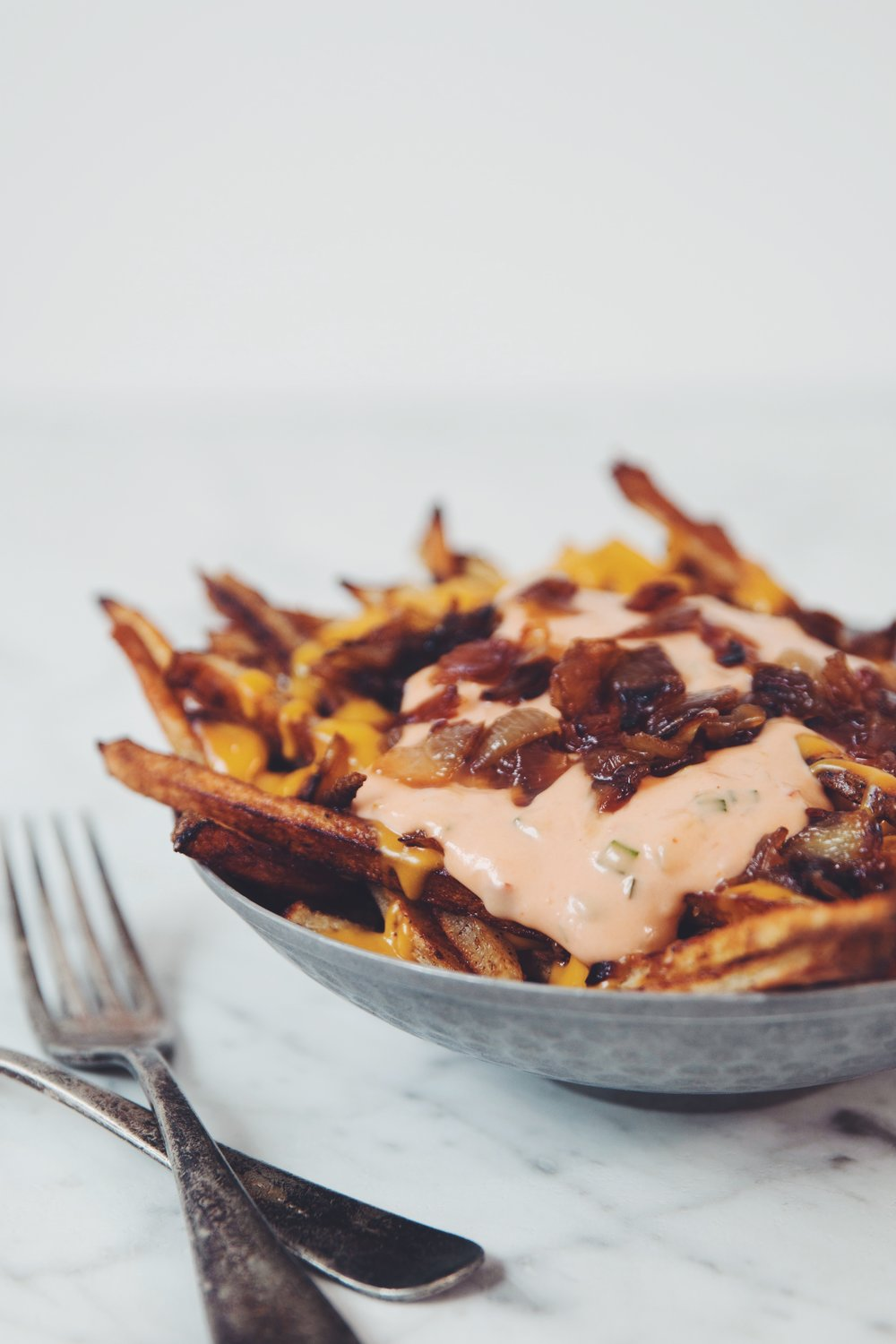 animal-style fries (vegan) IN-N-OUT BURGER COPY CAT | RECIPE on hotforfoodblog.com