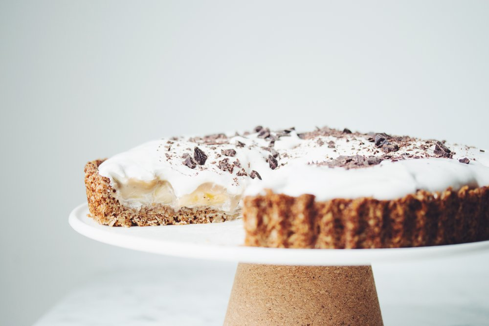 vegan banoffee pie | RECIPE on hotforfoodblog.com