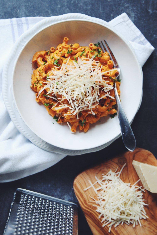 vegan adobo chili mac & cheese | RECIPE on hotforfoodblog.com