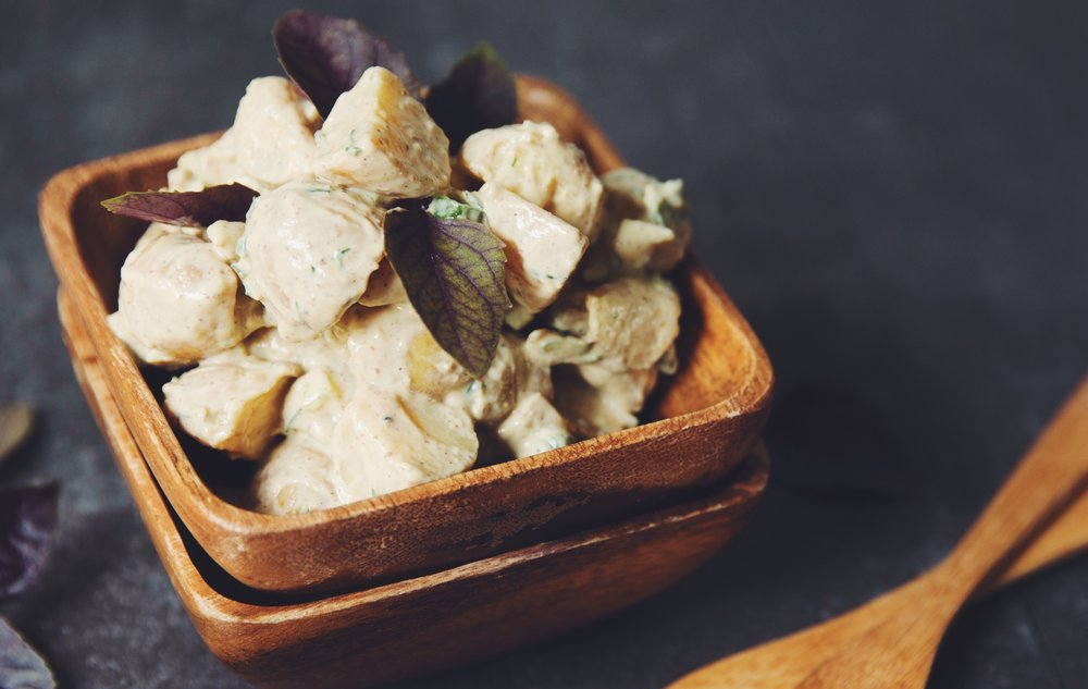 creamy vegan potato salad (healthy, low-fat) | RECIPE on hotforfoodblog.com