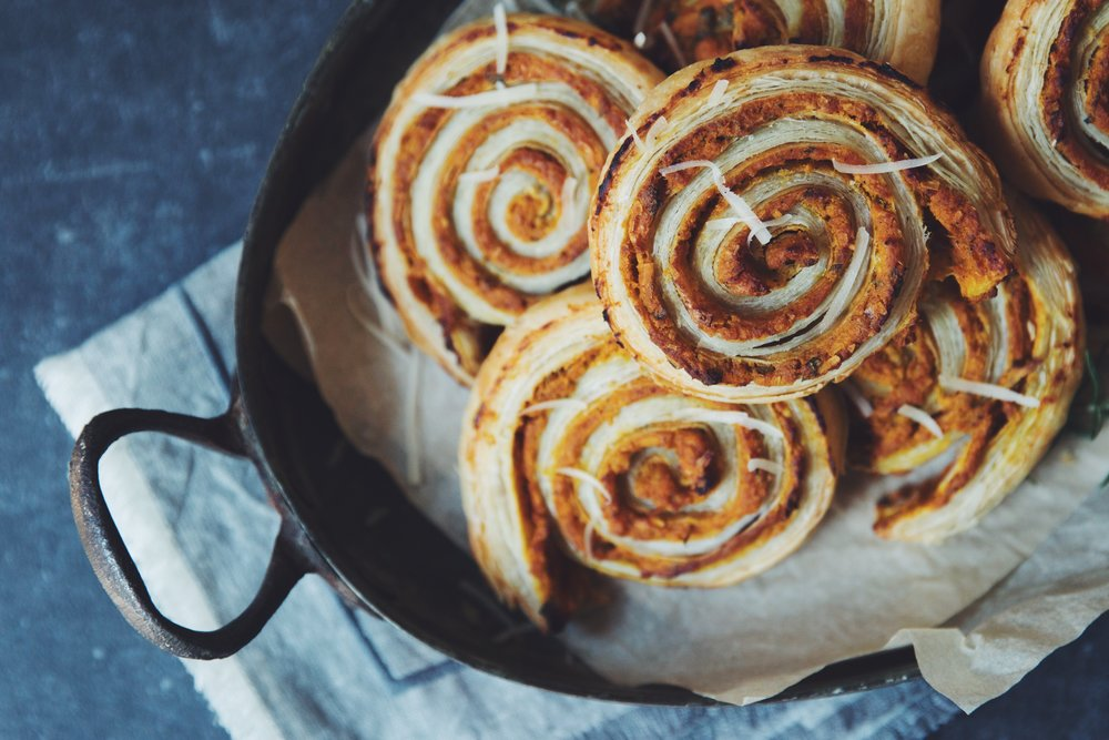 cheesy vegan pumpkin rolls | RECIPE by hot for food