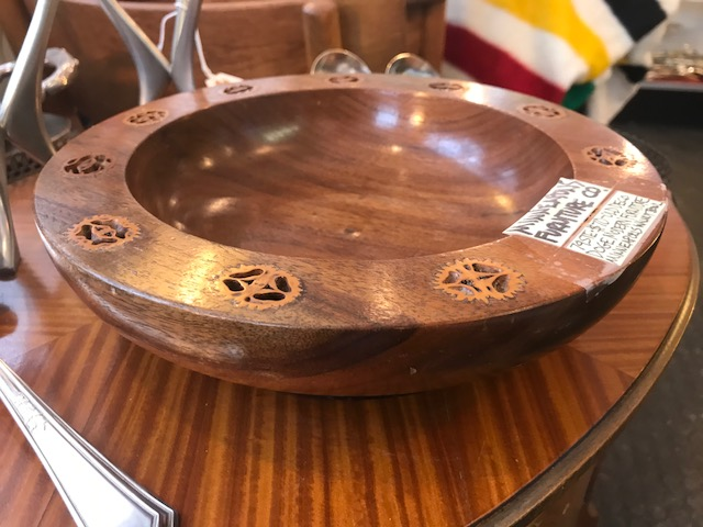 19 WALNUT BOWL 2.jpg