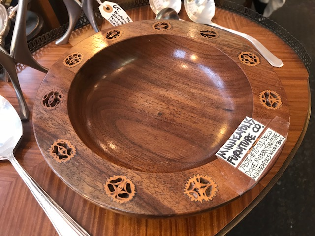 19 WALNUT BOWL 3.jpg