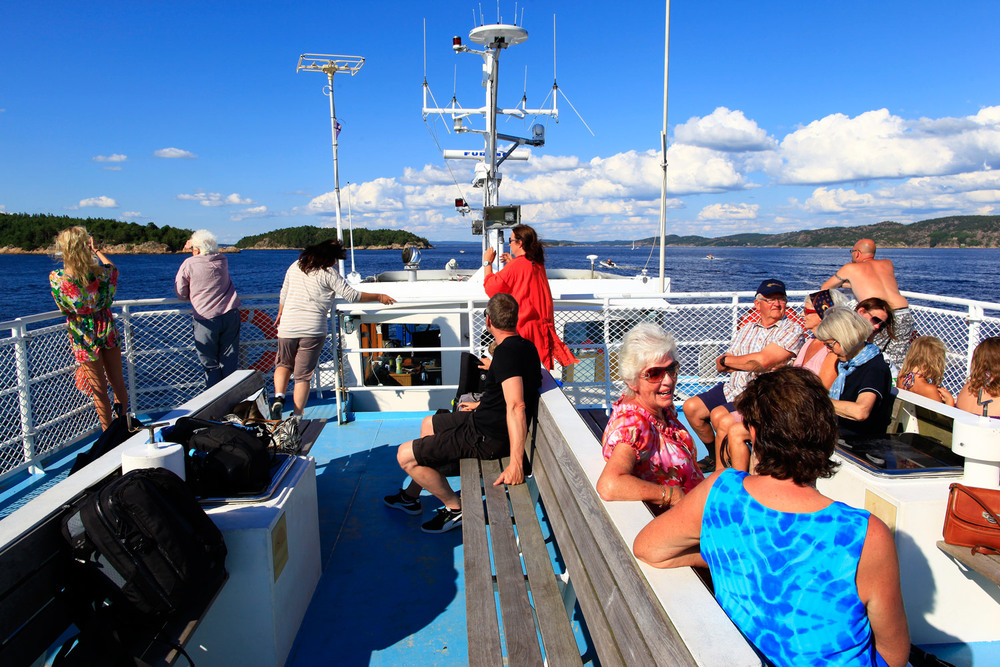 From island to island   WITH THE    HVALER FERRIES    TIME TABLE