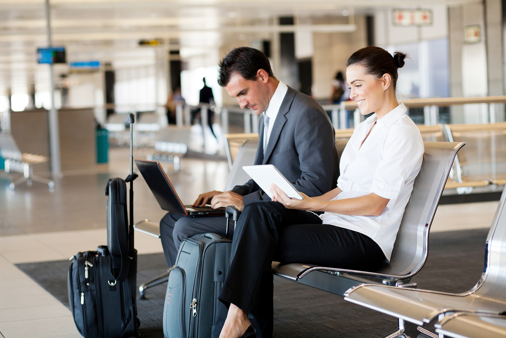 Nearby three airports    ONLY 30 MIN to the    CLOSEST ONE    BOOK A FLIGHT