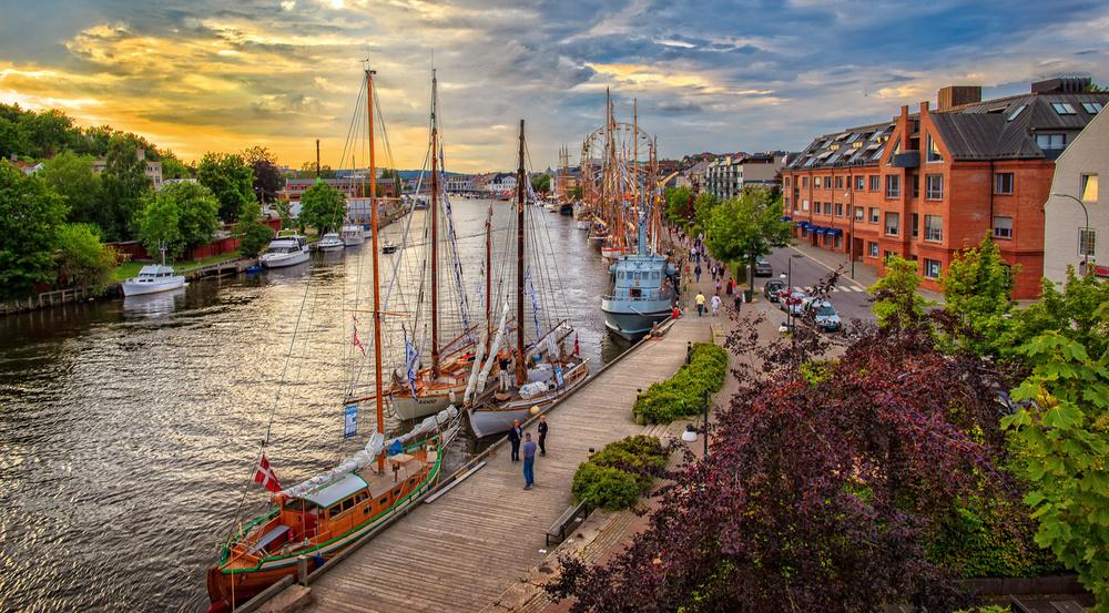 Fredrikstad`s    GUEST    HARBOR