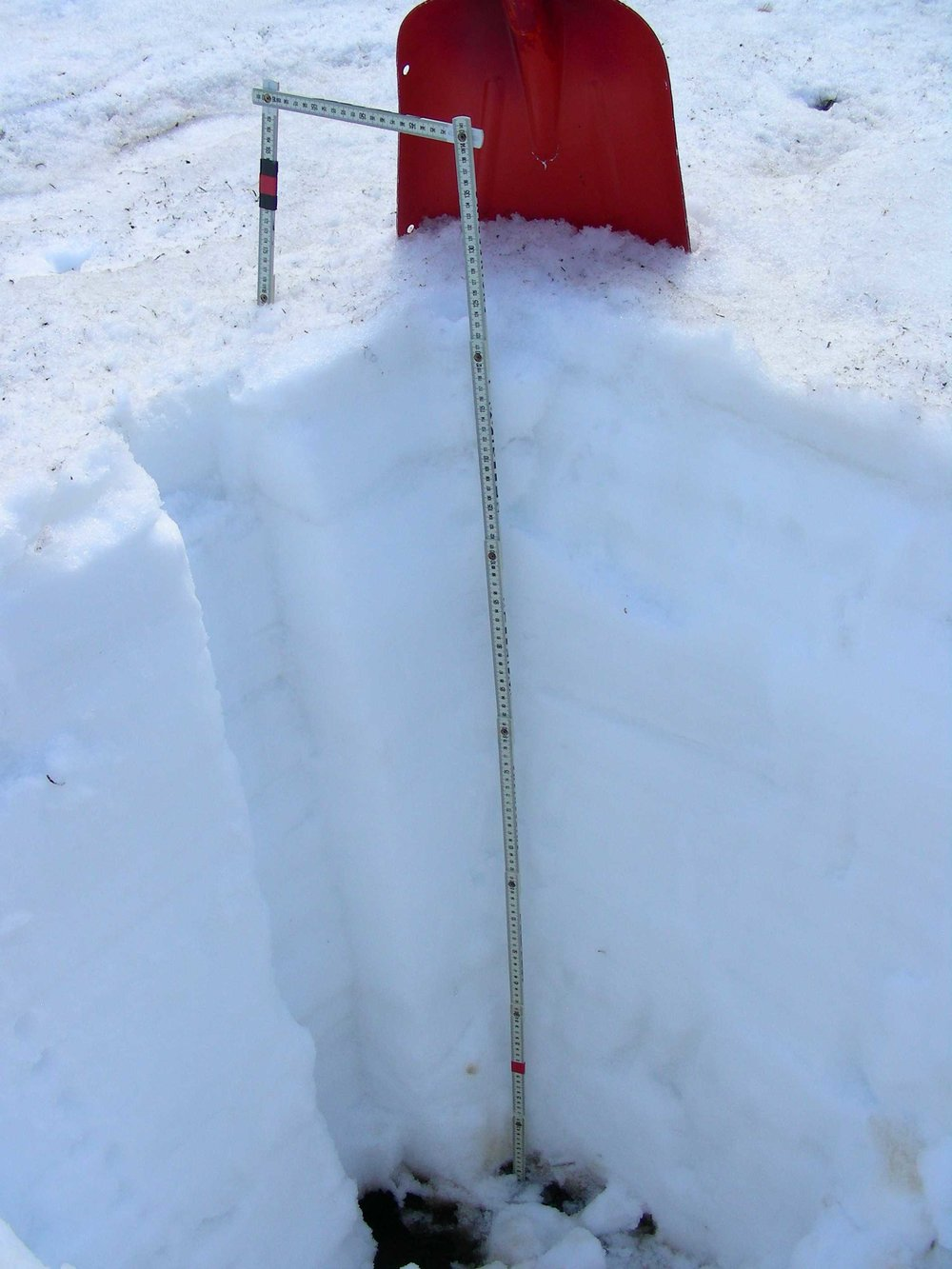 "Rabbit Ears snow profile.   SWE is 19.4""."