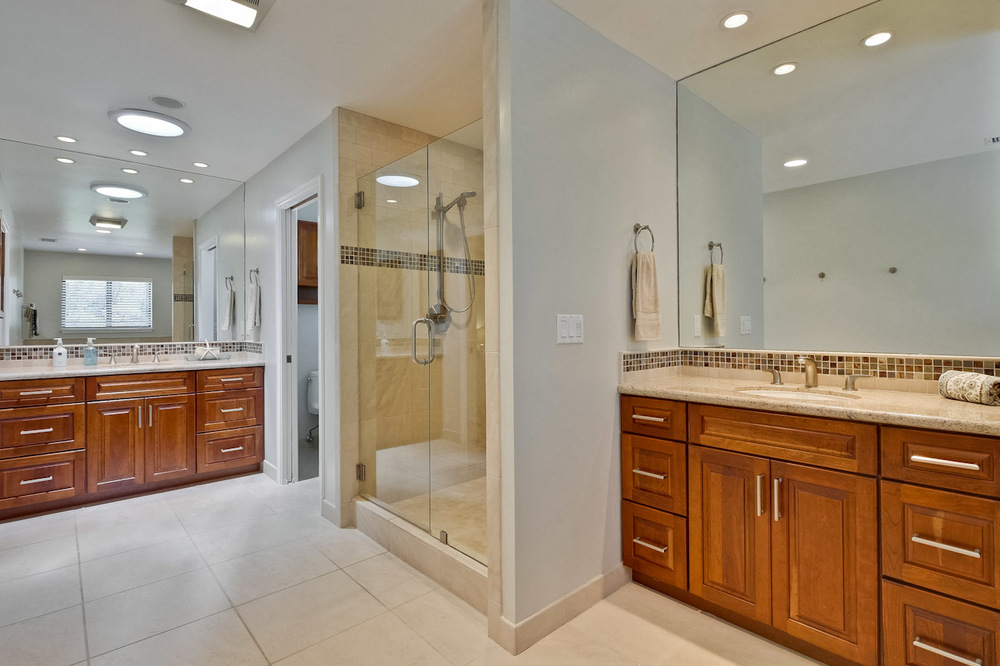 Master Bathroom      6_mls.jpg