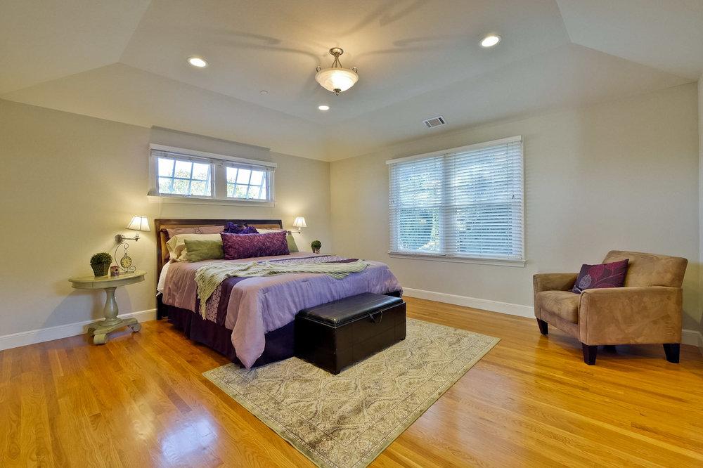 Master Bedroom       1_mls.jpg