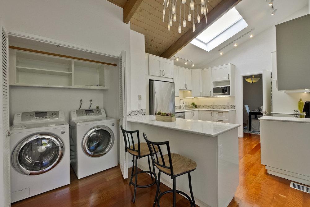 Laundry      1_mls.jpg