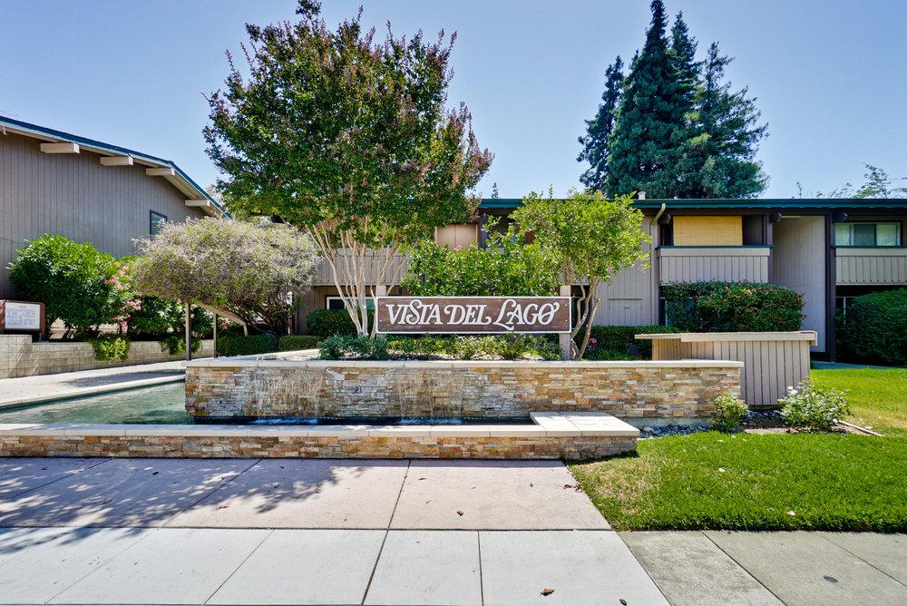Vista Del Lago Community      1.jpg