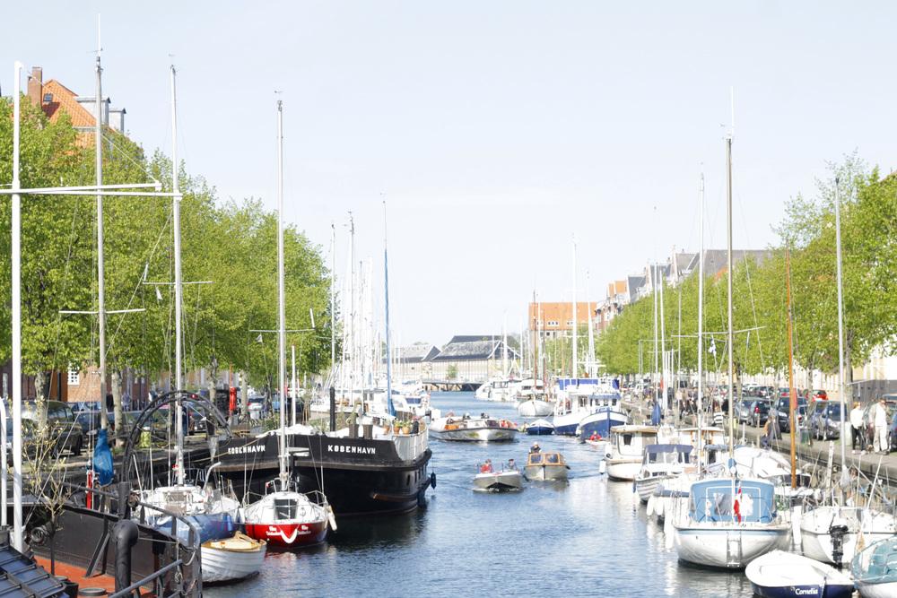 christianhavn canal, copenhagen | via: bekuh b.