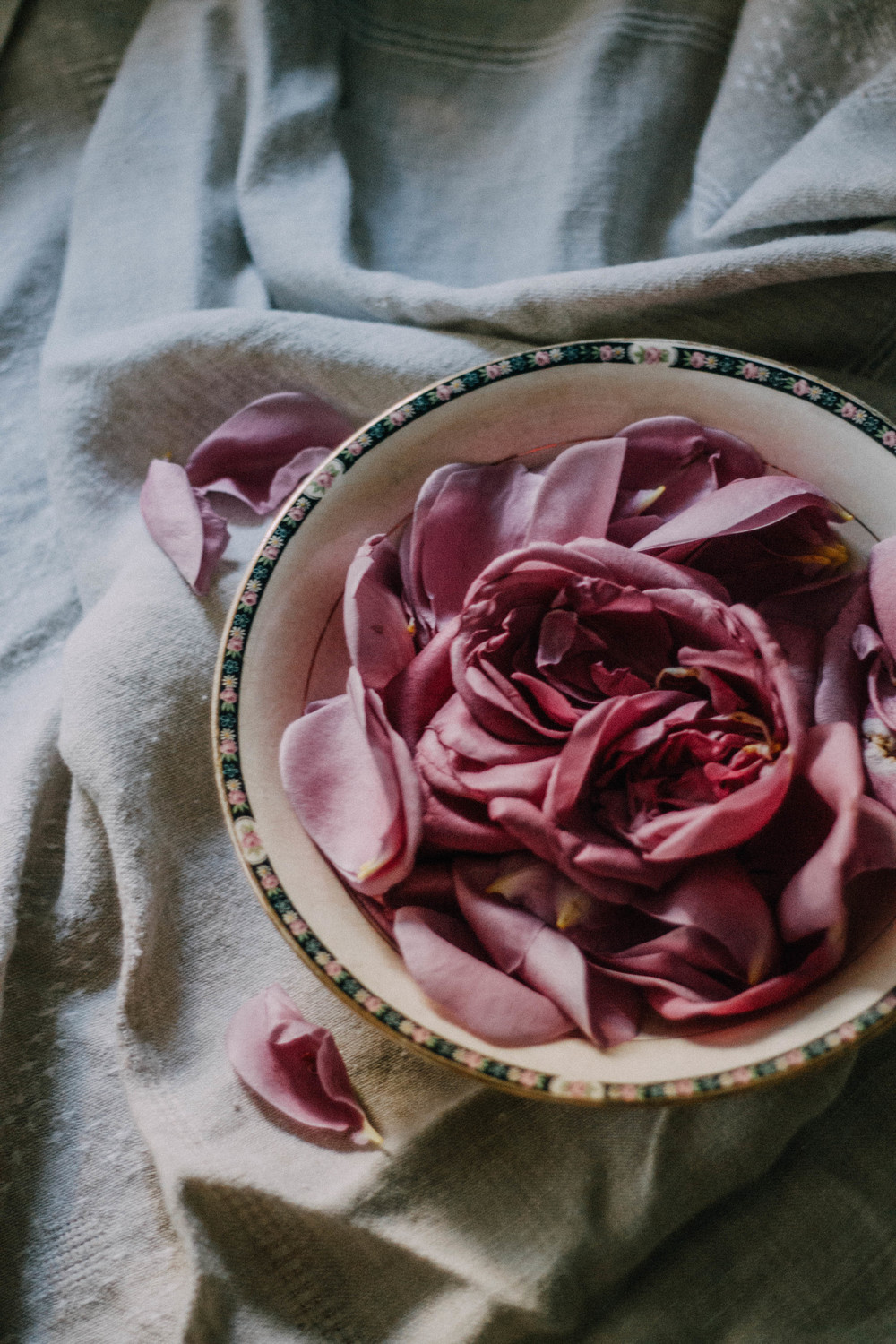 diy rose water tutorial | via: bekuh b.