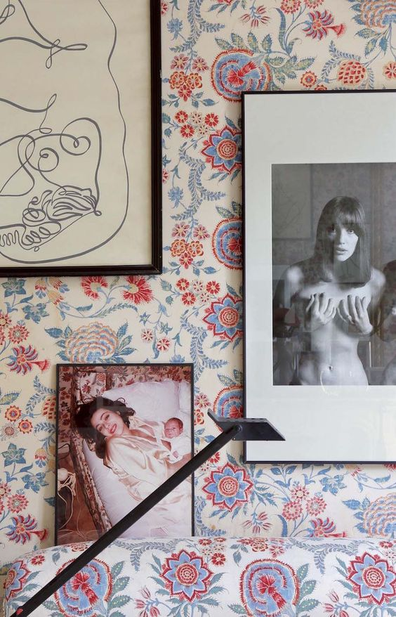 vintage wallpaper gallery wall | image via: bekuh b.