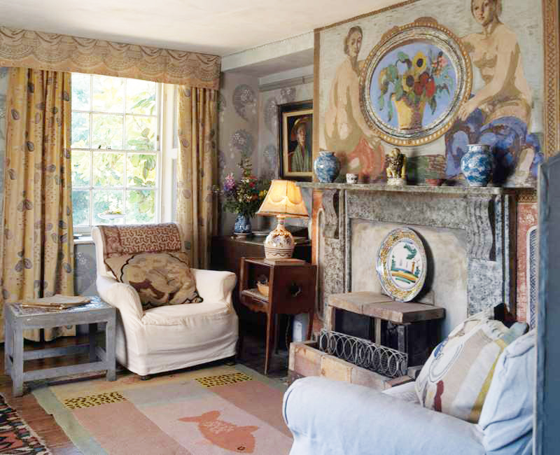 Charleston House living room | Vanessa Bell of the Bloomsbury Group | via: chatham st. house