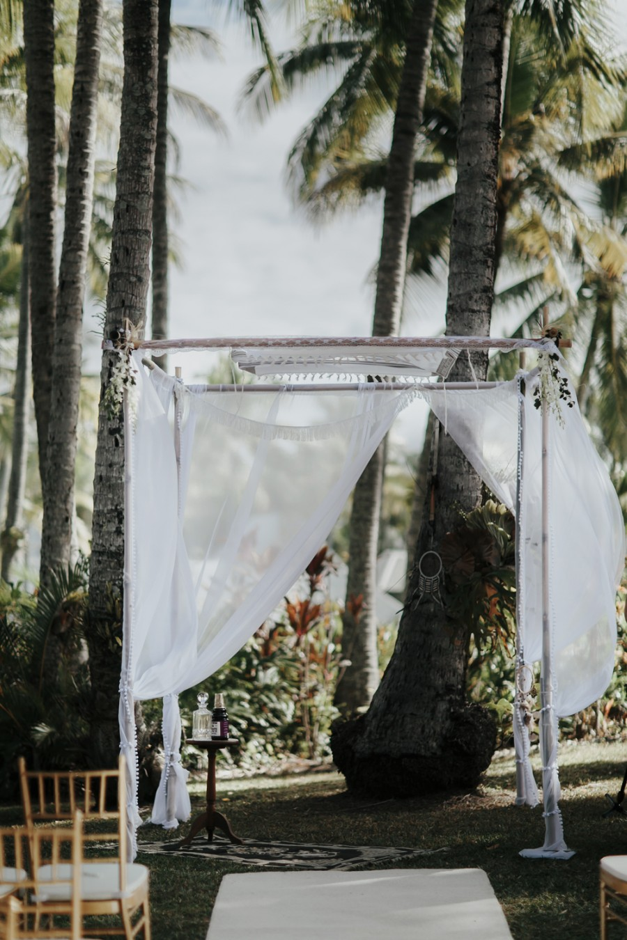 boho-tipi-wedding-sheraton-port-douglas-oli-sansom-11-900x0-c-default.jpg