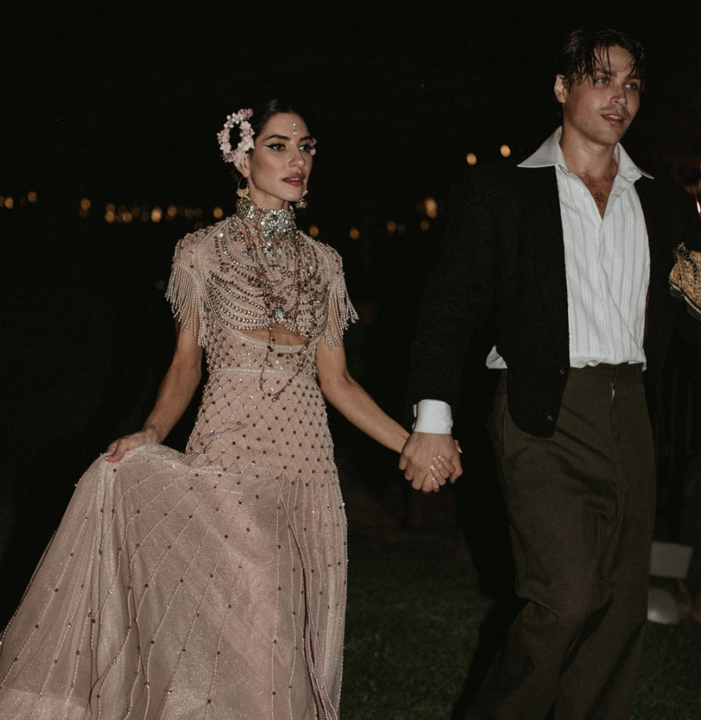 Rhodes-Wedding-Co-Lisa-The-Veronicas-06.png