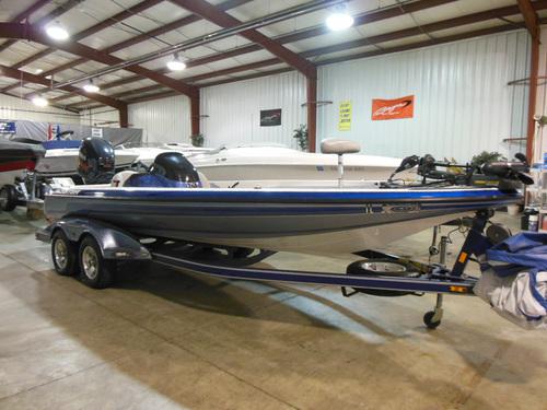 2007 Skeeter ZX225 Fishing Boat