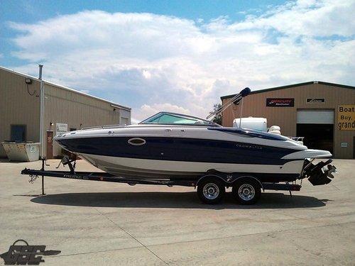 2003 Crownline 230 EX Deck Boat