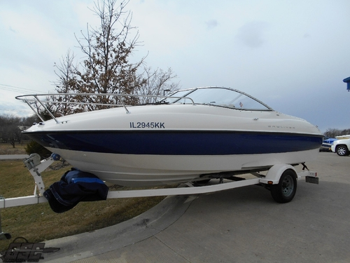 2005 Bayliner 212 Cuddy