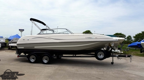 1997 SEARAY 215 EXPRESS CRUISER