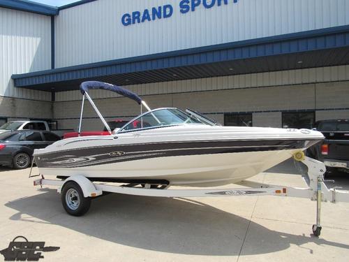 2005 SeaRay 180 Sport