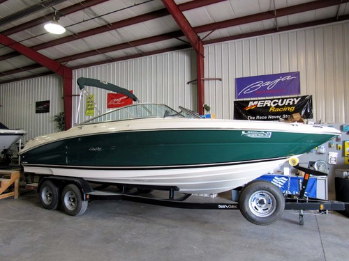 2001 Sea Ray 230 Signature Bowrider
