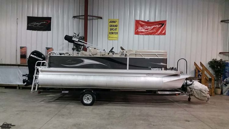 "2012 APEX QUEST 7518 LS 18'6"" PONTOON"