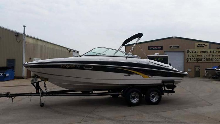 2007 FOUR WINNS 240 HORIZON