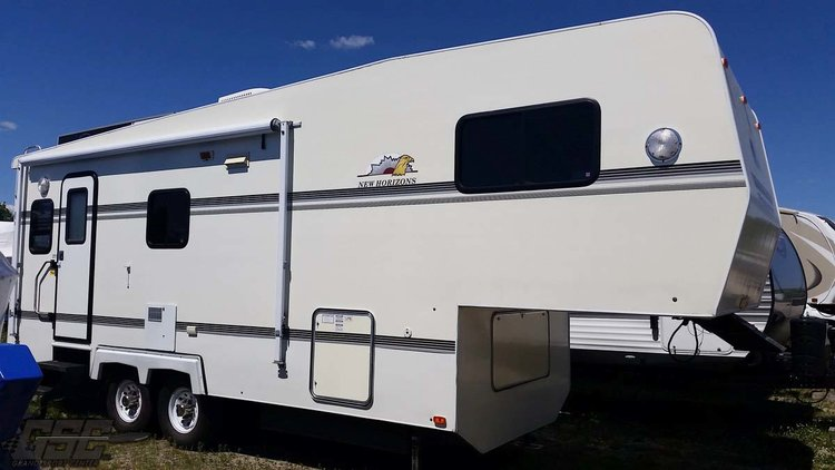 2003 NEW HORIZON NH 26 RLS FIFTH WHEEL