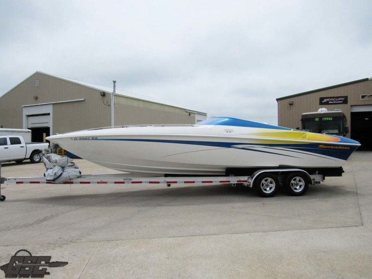 2004 SUNSATION 288 MID CABIN OPEN BOW