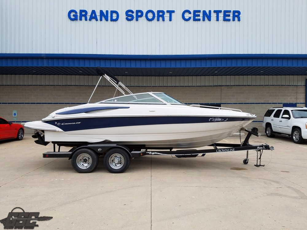 2007 Crownline 210LS Open Bow