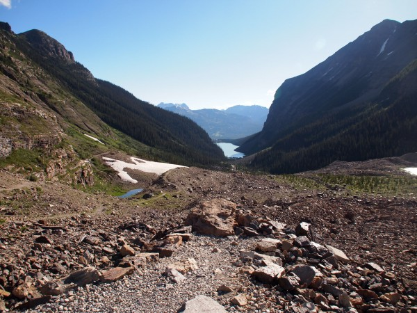 hike from plain of six glaciers to lake agnes