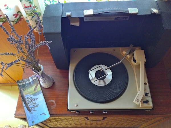 record player spartan manor souwester