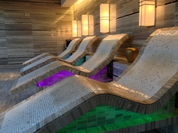 MO las vegas spa tepidarium chairs