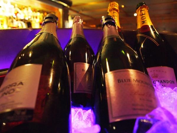 champagne bearfoot bistro