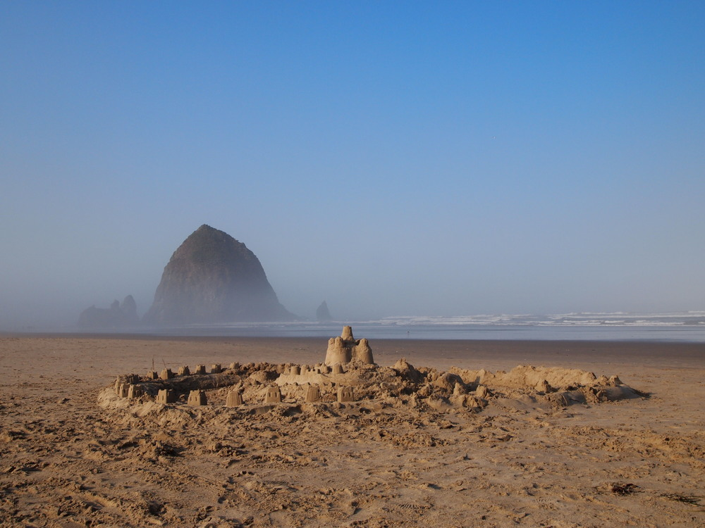 Oregon. Chasing the last bit of summer in  Cannon Beach .
