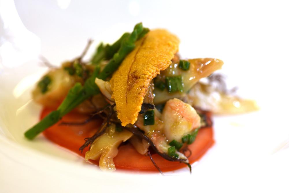 Kai Momona: wana, shellfish coconut emulsion, ogo, sea beans